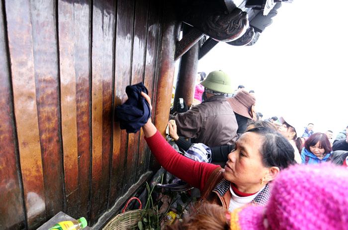 """Hội Yên Tử: Dùng cả chứng minh thư """"đánh bóng"""" chùa Đồng - 11"""