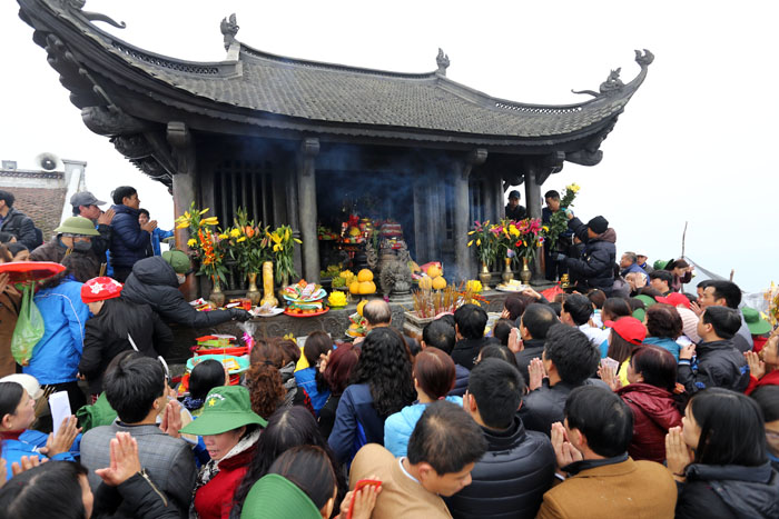 """Hội Yên Tử: Dùng cả chứng minh thư """"đánh bóng"""" chùa Đồng - 3"""