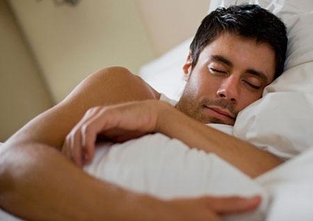 Những lợi ích khi quý ông ngủ nude - 1