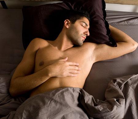 Những lợi ích khi quý ông ngủ nude - 2