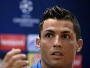 Bóng đá - Bị hỏi khó về Messi, Ronaldo nổi giận bỏ họp báo