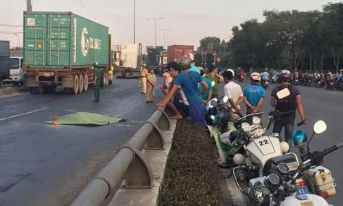 Hoảng hồn 102 người chết vì đi bộ sai ở Hà Nội - 1