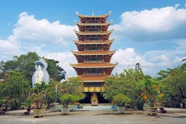 Tháng Giêng, đến thăm 4 ngôi chùa nổi tiếng ở Sài Gòn - 4