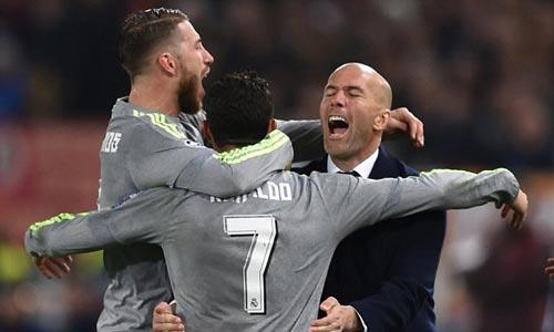 Zidane - Ronaldo: Cúp C1 chính là cứu cánh - 1