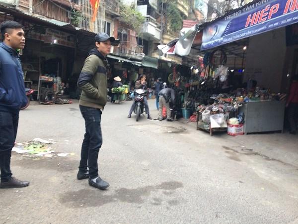 Chợ Trời ở Hà Nội vắng lặng sau ngày bị kiểm tra - 14