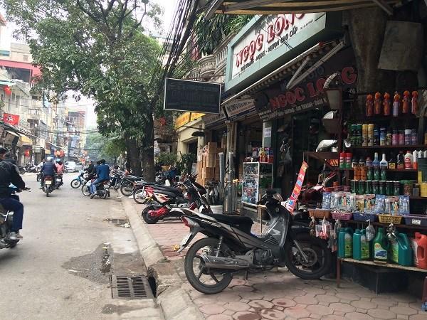 Chợ Trời ở Hà Nội vắng lặng sau ngày bị kiểm tra - 3