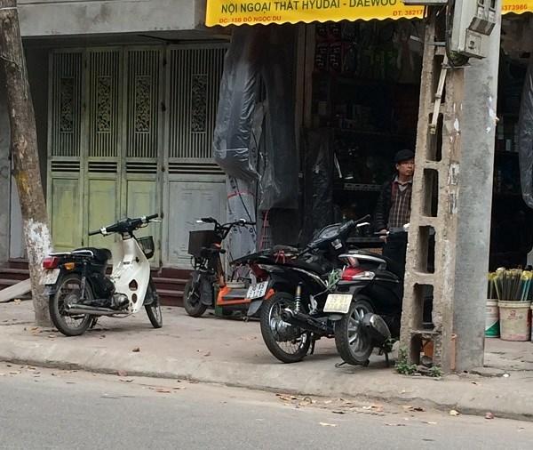 Chợ Trời ở Hà Nội vắng lặng sau ngày bị kiểm tra - 9