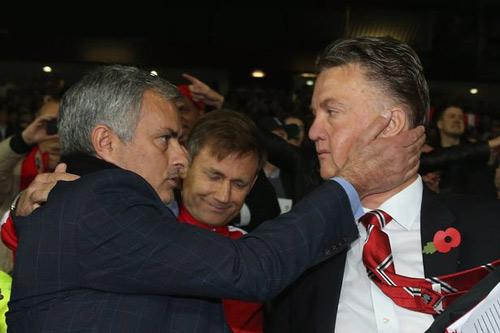 """Mourinho """"bẻ kèo"""" vì MU không có hi vọng dự cúp C1 - 1"""