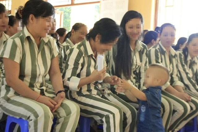 Cuộc sống của hai mẹ con tử tù mang thai để thoát án tử - 1