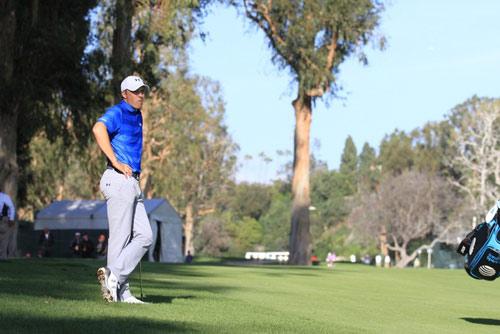Tay golf số 1 thế giới đánh vòng tệ nhất sự nghiệp - 1