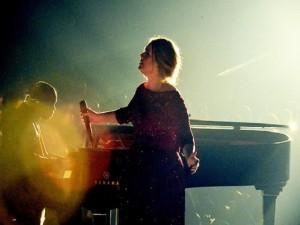 Ca nhạc - MTV - Adele thấy mình hoen ố vì trình diễn lỗi tại Grammy