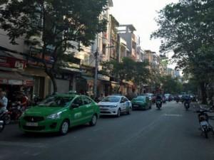 Tin tức trong ngày - Nhà xe dùng taxi, xe ôm đối phó lệnh cấm từ Bí thư Thăng