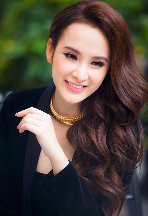 """Angela Phương Trinh: """"Trường Giang không rời mắt khỏi tôi"""" - 1"""