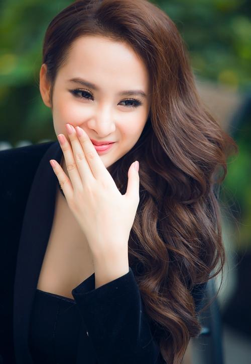 """Angela Phương Trinh: """"Trường Giang không rời mắt khỏi tôi"""" - 2"""