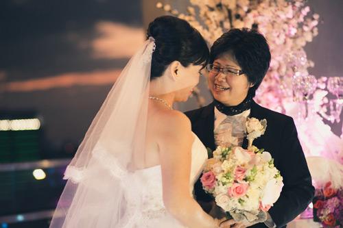 Chuyện tình hơn 3 thập kỷ yêu xa của cặp đôi đồng tính - 1