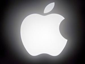 Công nghệ thông tin - FBI yêu cầu Apple mở khóa iPhone để điều tra một vụ xả súng