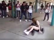 Thể thao - Lên gối, nữ sinh hạ gục nam sinh chóng vánh