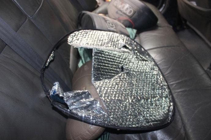 Bình cứu hỏa phát nổ trong xe ô tô con ở Thanh Hoá - 3