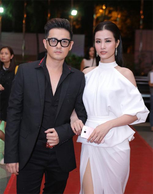 """MC Thành Trung ôm chặt Giang Hồng Ngọc để """"giảng hòa"""" - 8"""
