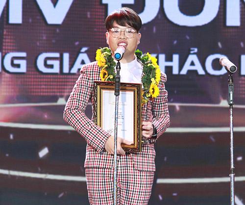 """Thu Minh mặc xuyên thấu """"vượt mặt"""" đàn em - 13"""