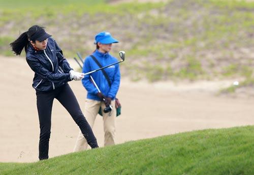 Các tay golf không chuyên thử thách bản thân - 2