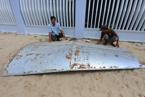 PV nước ngoài xin lỗi vì đưa tin mảnh vỡ MH370 ở Khánh Hòa - 1
