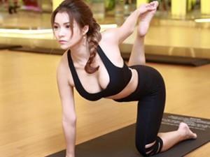 Phim - Mỹ nhân Việt khoe đường cong tuyệt mỹ khi tập yoga