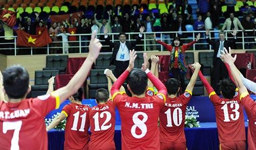 Bầu Tú: Tuyển futsal Việt Nam biết mình đang ở đâu - 2