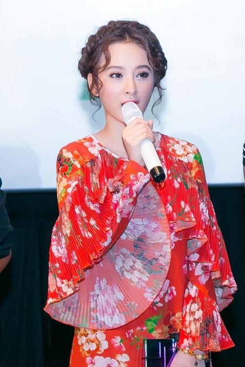 Váy hot nhất tuần: Đầm 50 triệu của Angela Phương Trinh - 4