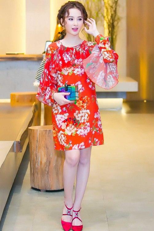 Váy hot nhất tuần: Đầm 50 triệu của Angela Phương Trinh - 1