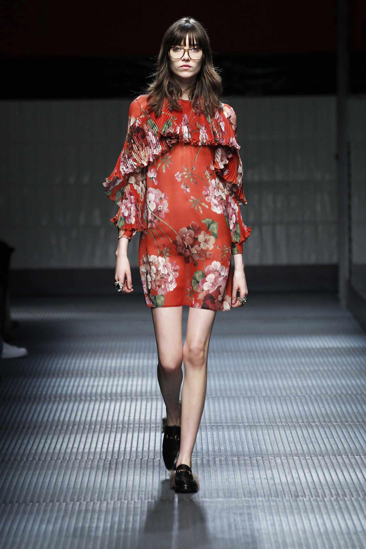 Váy hot nhất tuần: Đầm 50 triệu của Angela Phương Trinh - 6