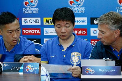 """""""Vua V-League"""" thiếu chuyên nghiệp khi dự AFC Champions League - 1"""