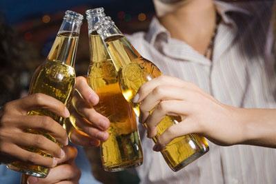 Những người tuyệt đối không nên uống bia dù vui nhậu đến mấy - 1