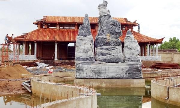 Nhà thờ Tổ của Hoài Linh bị phá sập? - 1