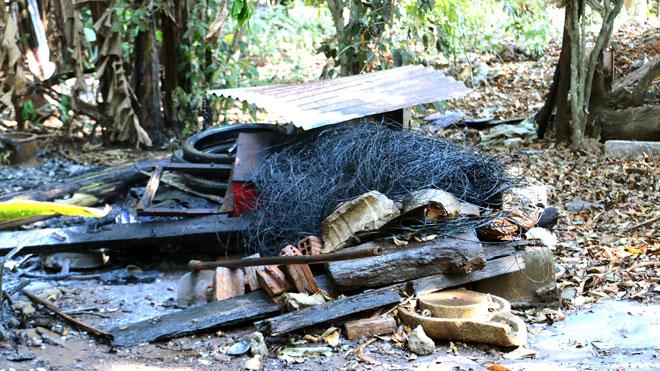 Nổ lớn khi đốt rác, người đàn ông nhập viện - 1