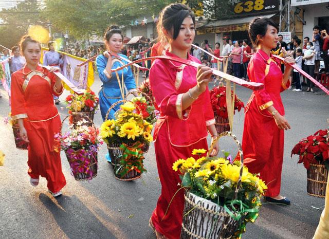 Ảnh: Lễ hội đường phố Tết Nguyên tiêu của người Hoa ở Sài Gòn - 3