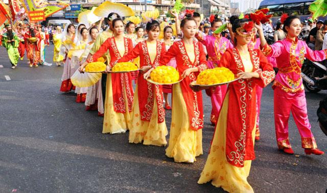 Ảnh: Lễ hội đường phố Tết Nguyên tiêu của người Hoa ở Sài Gòn - 10