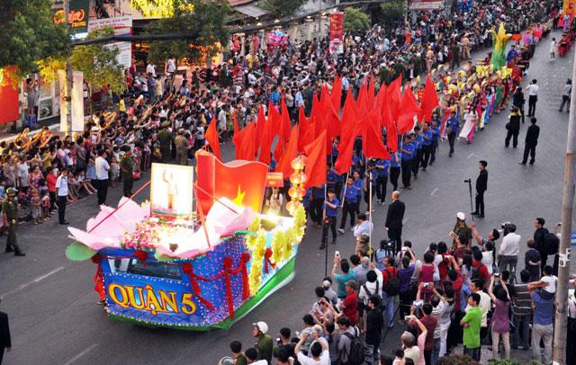 Ảnh: Lễ hội đường phố Tết Nguyên tiêu của người Hoa ở Sài Gòn - 16