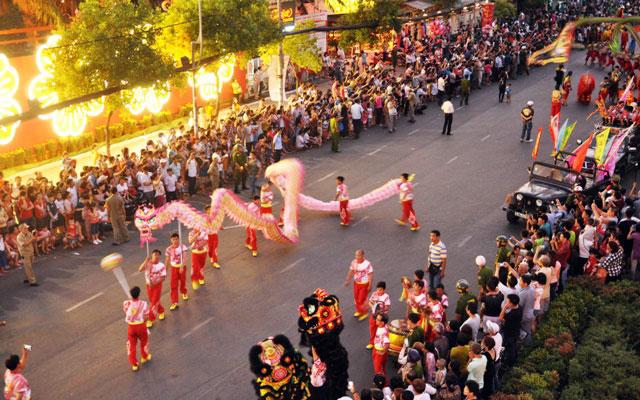 Ảnh: Lễ hội đường phố Tết Nguyên tiêu của người Hoa ở Sài Gòn - 17