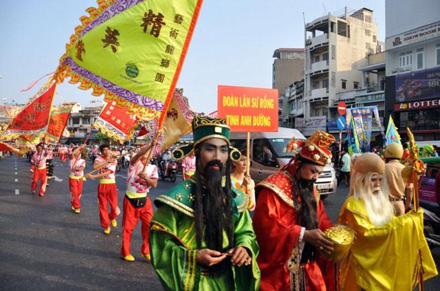 Ảnh: Lễ hội đường phố Tết Nguyên tiêu của người Hoa ở Sài Gòn - 5