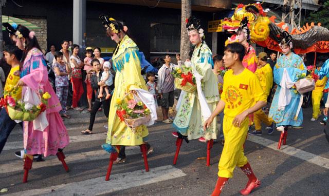 Ảnh: Lễ hội đường phố Tết Nguyên tiêu của người Hoa ở Sài Gòn - 6