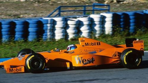 """Thử xe F1: Khi """"những chú tắc kè hoa"""" xuất hiện - 1"""