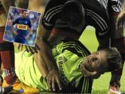 """Bóng đá - Hãi hùng: Va chạm, Tevez khiến đối thủ """"chết giấc"""""""