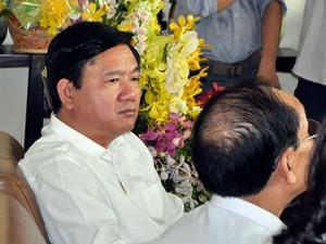 Tin tức trong ngày - Ông Đinh La Thăng tìm lời giải bài toán quá tải bệnh viện