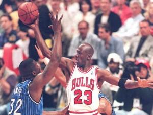 Soi dàn siêu xe của huyền thoại bóng rổ Michael Jordan