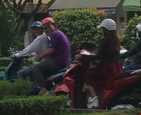 """""""Chợ"""" mại dâm di động lớn nhất Sài Gòn - 4"""