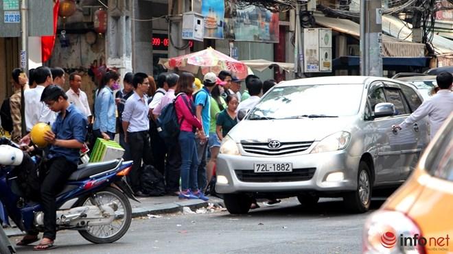 22 xe đón khách bị phạt sau chỉ đạo của Bí thư Thăng - 1