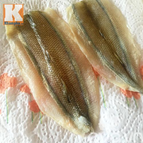 Mẹo rán cá không bắn dầu và cách pha nước chấm ngon - 2