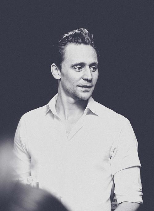"""""""Loki"""" Tom Hiddleston: """"Không còn hối tiếc với Việt Nam"""" - 1"""