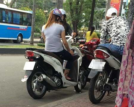 """""""Chợ"""" mại dâm di động lớn nhất Sài Gòn - 1"""